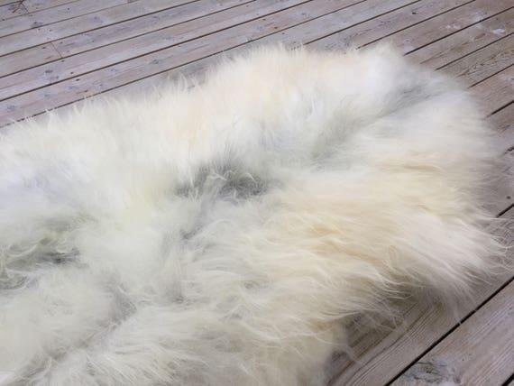 Large and lush sheepskin rug soft, volumous throw sheep skin long haired Norwegian pelt natural white grey 18048
