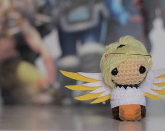 Mini Mercy Amigurumi - Overwatch