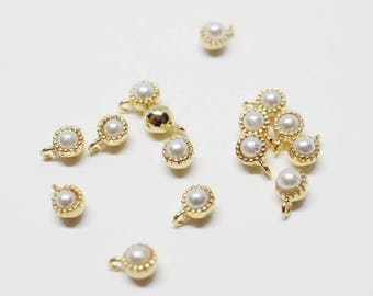 P0671/Anti-Tarnished Gold Plating Over Brass+pearl/Tiny Flamed Pearl Pendant/3mm/4pcs
