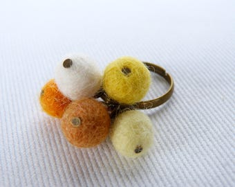 Chic bohemian ring ball felted yellow white brown orange and bronze metal