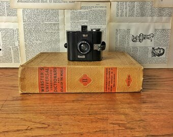 Vintage Camera, Kodak Six-20 Bull's Eye Camera, Bakelite Box Camera, Collectible Camera, Film Camera