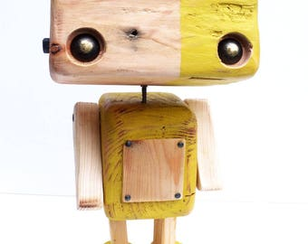 Reclaimed wood - yellow bicolor cubic robot