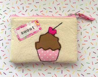 Cupcake appliqué zipper pouch, credit card wallet, free motion embroidery, cupcake pouch