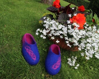 Extra high quality felted slippers from wool