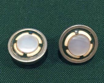 summer17 Edwardian Silver-tone Mother of Pearl & Enamel pull-apart Cuff Link (Single) - CA 1920's - Item 1631808