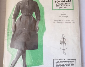 "UNOPENED Fabulous 60's french vintage sewing pattern - ""Modes et Travaux 1311"" dress woman size 40-44-48 size 12-16-20"
