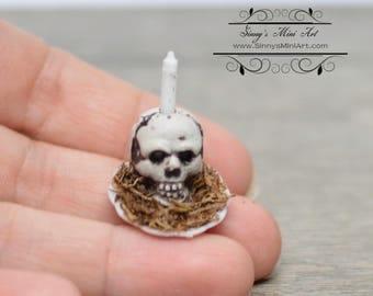 1:12 Dollhouse Miniature Skull Candle/ Miniature Halloween SM004