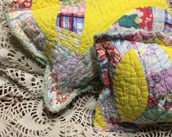Yellow Wedding Ring Quilt Posing Pillow/ Newborn Girl Quilt Posing Pillow/ Yellow Posing Pillow