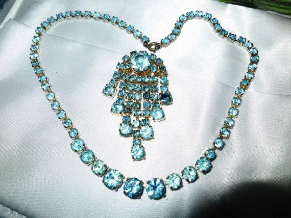 Stunning vintage goldtone aquamarine rhinestone diamante necklace and brooch
