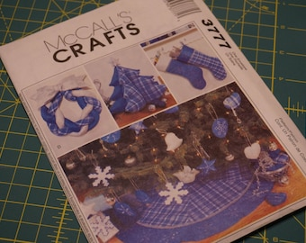A Blue Christmas: Tree Skirt, Wreath, Ornaments (Heart, Star and Dove), Decorative Tree & Stockings - McCall's Crafts 3777 NIP