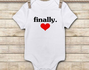 Pregnancy Announcement Onesie - Custom Baby Onesie - Custom Baby Gifts - IVF Baby Gifts - Infertility Gifts - Coming Home Outfit