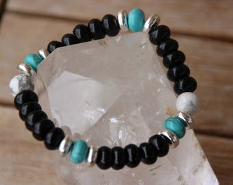 Bracelet with semi-precious agate beads