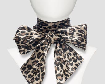 Bow Leopard
