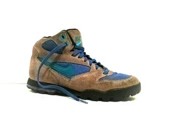 Vintage high top Nike hiking boots womens size 7