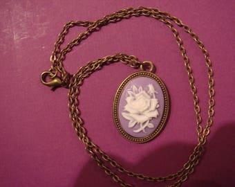 Cameo flower pendant