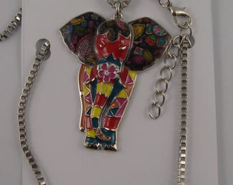 Elephant necklace in color