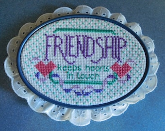 """Vintage Handmade """"Friendship Keeps Hearts In Touch"""" Wall Hanging Needlepoint Picture"""