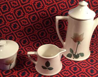 Portmeirion Ella Doran Flo design - Tea pot, sugar bowl and milk jug