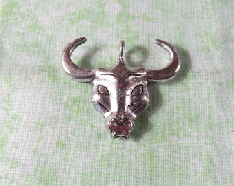 2 Large Antique Silver Steer/Bull Head Pendants (B338i)