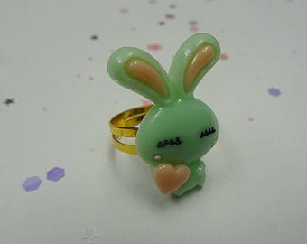 Green Love Bun Ring
