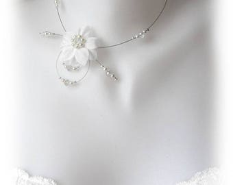 Eva collection 'Tradition' silk white flowers bridal necklace