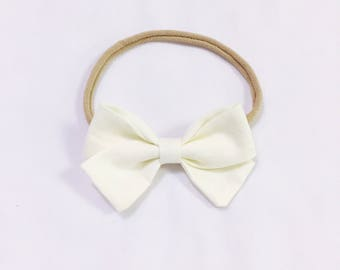 Charley - Cream signature bow headband