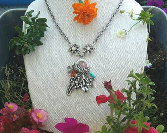 Necklace with flower charms