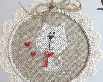 Medallion dog embroidery on linen