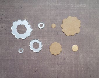 Die cut matrix Sizzix small round scalloped flowers
