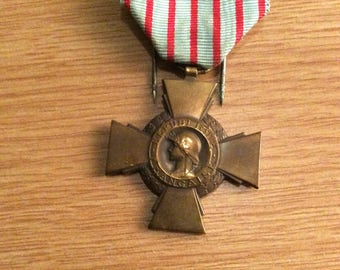 World War One French medal bronze cross Croix du Combattant