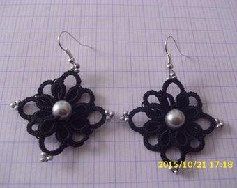 beautiful pairs of earrings handmade /dentelle hand tatted