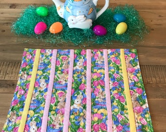 Set of Six Easter Placemats, Quilted Placemats, Hop Hop Hoppy Easter Placemats