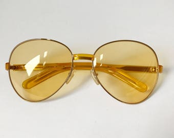 Vintage Gucci Sunglasses, GG 1377/S, Yellow Gold Aviator Sunglasses Yellow Lenses, Vintage Frames, Gucci Eyewear, Gucci Glasses