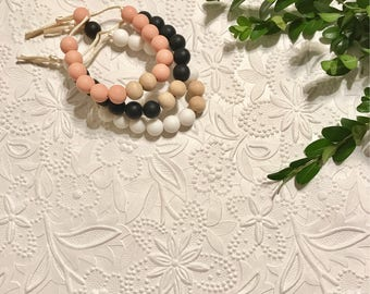 """Silicone Teething Bracelet, BPA Free, Food-grade Materials // """"The Spade"""""""