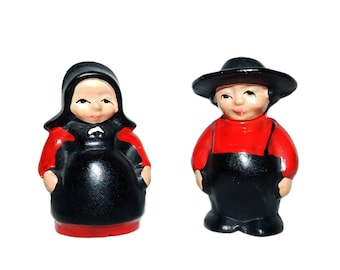 Vintage Pair of Cast Iron Amish Man/Woman Salt & Pepper Shakers