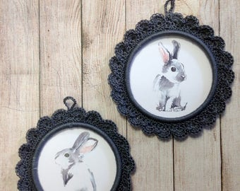 "Two small frames ""rabbits"" crochet"