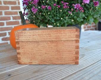 Small solid oak recipe box lift off lid