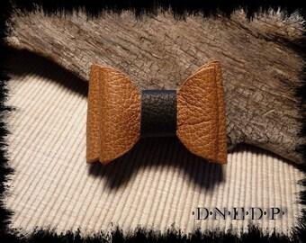 Magnet / Magnet refrigerator camel leather and black bow