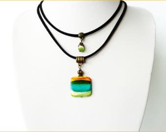 the neck cord bead pendant necklace mother of Pearl 2 x 2 cm
