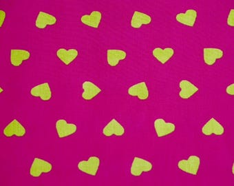 Anise hearts / hot pink background