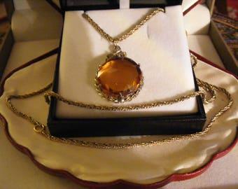Lovely Vintage Glass Pendant & Chain