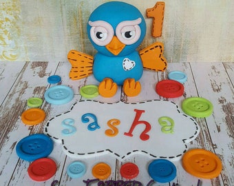 Edible Hoot or Hootabelle 8-10cm Cake Topper with Age, 15 buttons and Name plaque!