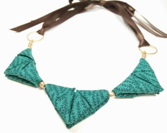 ORIGAMI TRIANGLE NECKLACE - Green with Rosemary Plant Print Ribbon Tie Necklace
