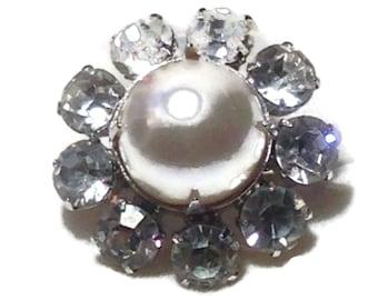 Vintage Pearl and Rhinestone Flower Ring