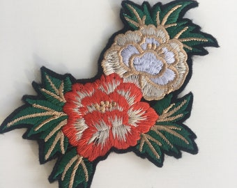 Embroidered Flowers Oriental Rose Embroidered Patch Decoration