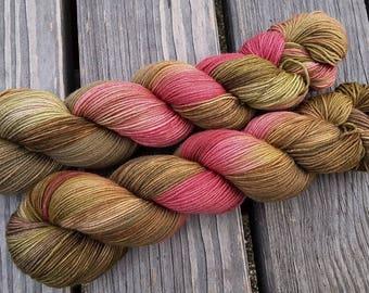 Vintage Rose - MAIA, 100% Merino superwash - 400m/100g - hand dyed yarn