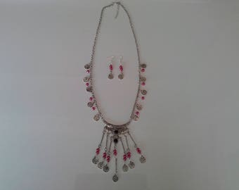 a chic ethnic jewelry set