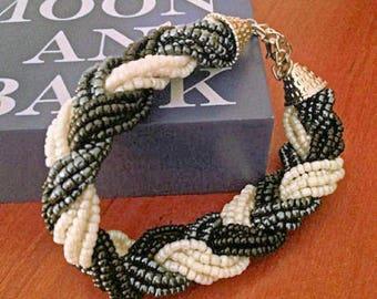 Swirl Seed Bead Bracelet