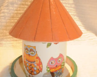 wooden little bird feeder