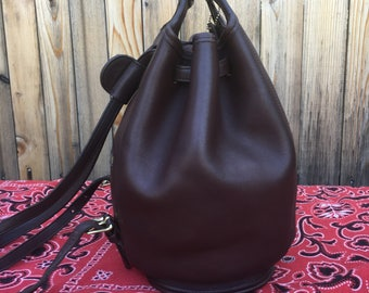 Coach backpack /  coach drawstring bag  /  vintage coach  /  coach bucket /  Beautiful brown leather and brass hardware